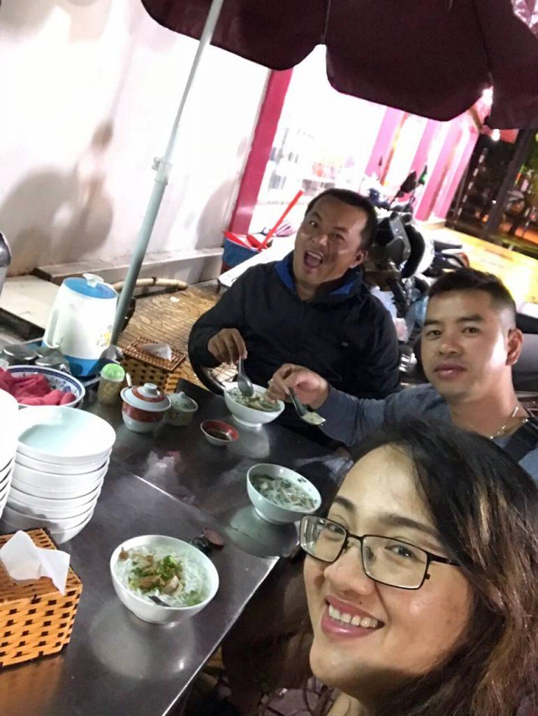 Du lịch bụi tuyệt tình cốc Suối Ba Hồ Ninh Thuận của ba đứa bạn già